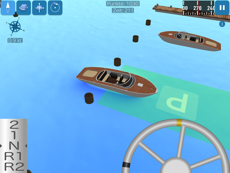 Screenshot zeigt Motorboot beim Einparken in der Box